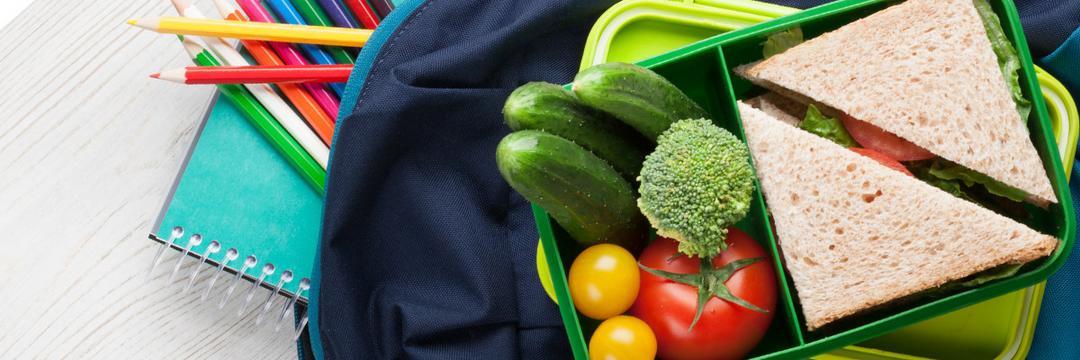 7 ideias para montar uma lancheira saudável para o seu filho