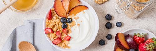 Alimentos probióticos e prebióticos: qual a diferença e os benefícios?